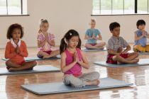 Có nên cho trẻ tập yoga?