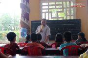 Vị Đại đức mở lớp dạy ngoại ngữ, kỹ năng cho bạn trẻ